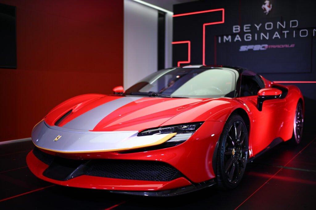 Ferrari SF90 Stradale ไฮเปอร์คาร์ปลั๊กอินไฮบริด 1,000 แรงม้า เปิดราคาไทย 40.9 ล้านบาท