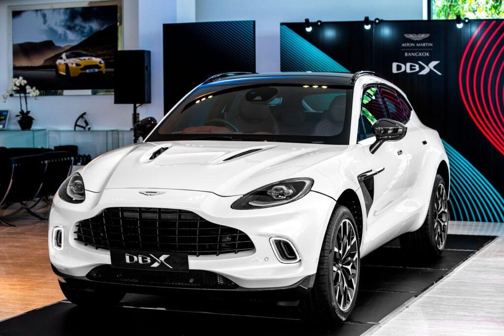 รายละเอียดสเปก Aston Martin DBX เอสยูวีรุ่นแรกในประวัติศาสตร์ ขุมพลัง V8 550 แรงม้า เริ่มต้น 19.9 ล้านบาท