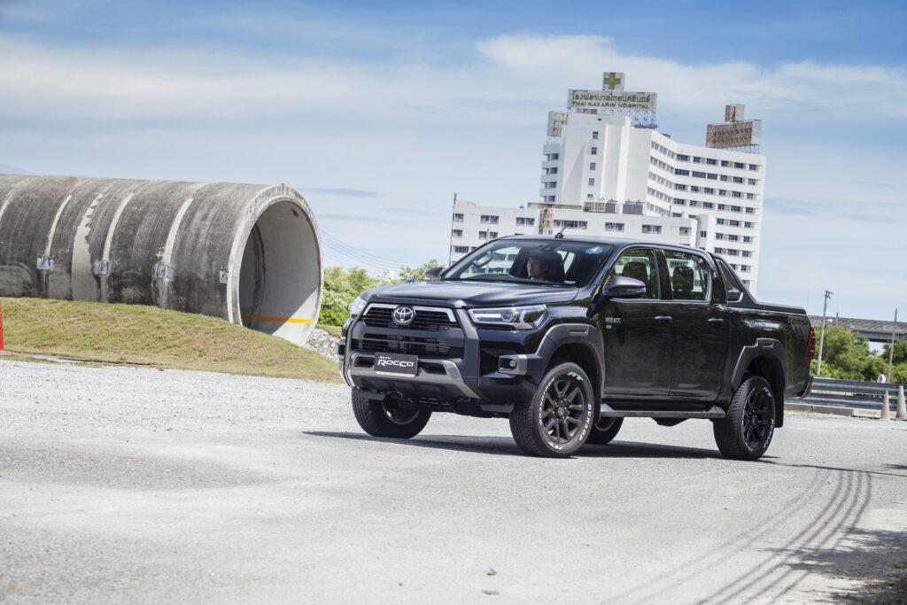 [First Drive] Toyota Hilux Revo Rocco ทรงพลังยิ่งขึ้น ขับดีทั้งออนโรดและออฟโรด