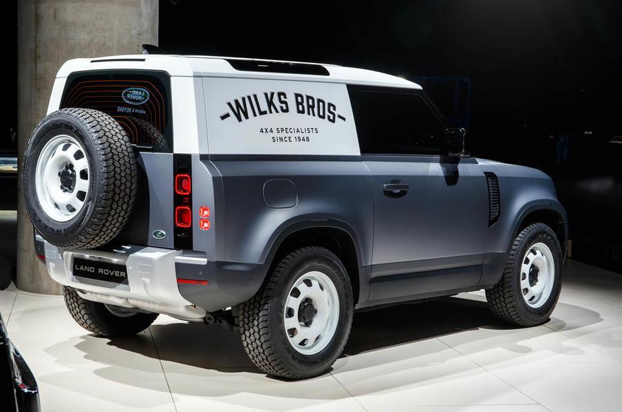 Land Rover เลื่อนการเปิดตัว  Defender 90 ออกไป 6 เดือน เนื่องจากการระบาดของโคโรน่าไวรัส