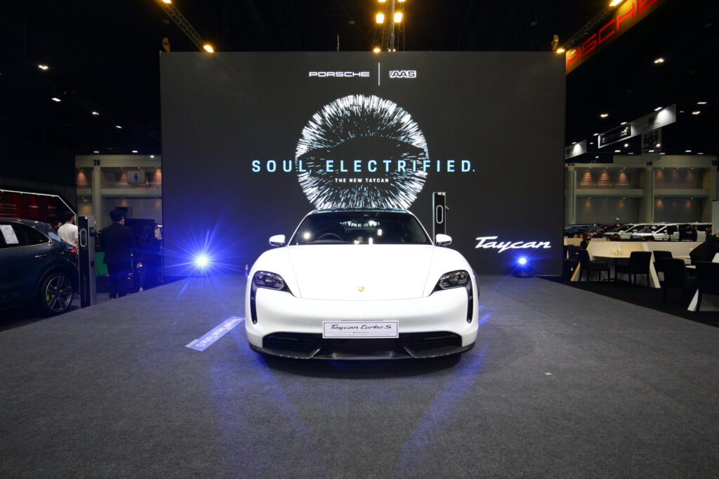 รายละเอียดสเปก Porsche Taycan เปิดตัวในไทย 3 รุ่น ราคาเริ่มต้น 7.1 ล้านบาท
