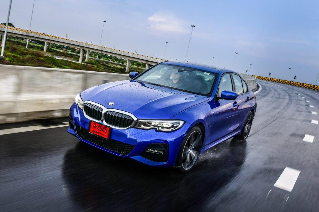 [First Drive] BMW 330e M Sport ซีดานปลั๊กอินไฮบริดพลังสูง ขับสนุก แรงจริง ออปชั่นแน่นคัน