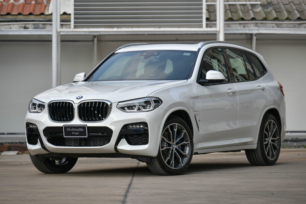 BMW X3 xDrive30e M Sport เอสยูวีเสียบปลั๊กมาดเท่ เสริมทัพตระกูล X ราคาค่าตัว 3.659 ล้านบาท