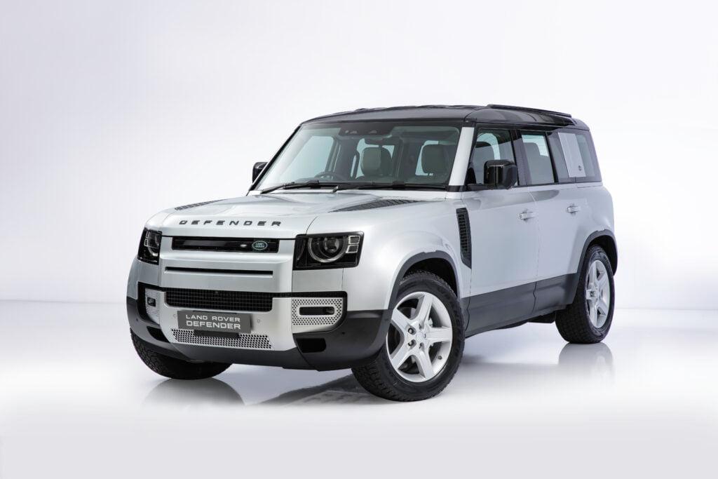 ปลุกตำนานออฟโรด All-New Land Rover Defender เปิดตัวในไทยอย่างเป็นทางการ เริ่มต้น 5.4 ล้านบาท