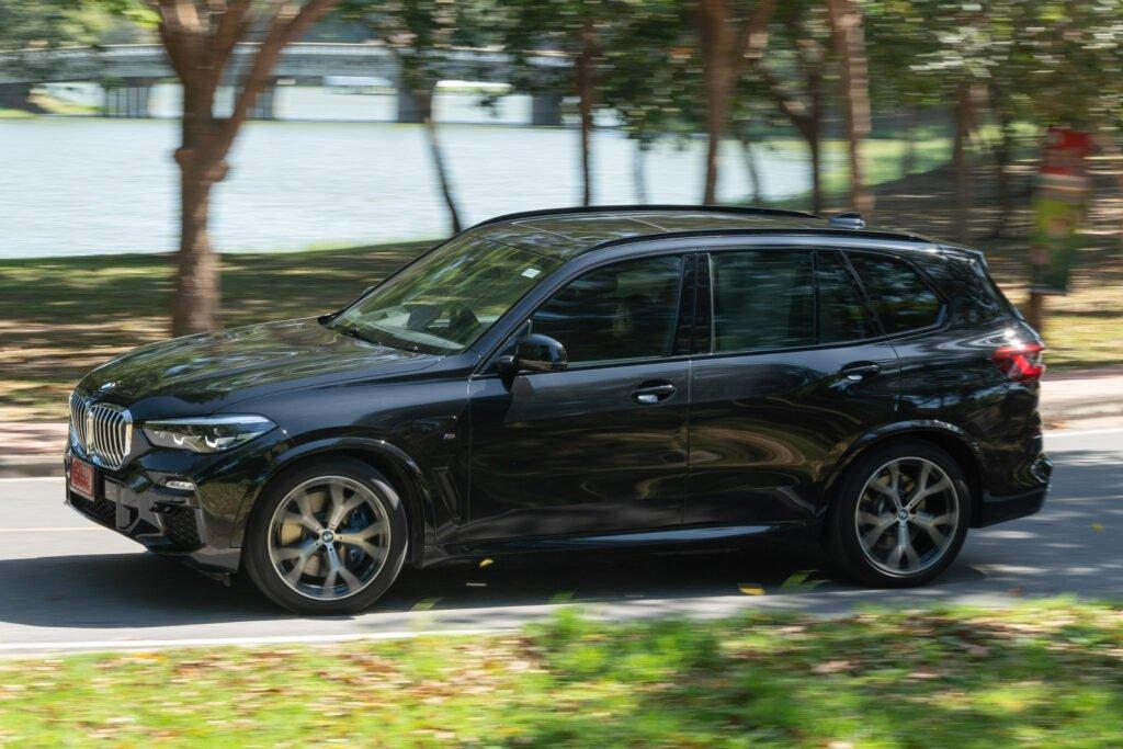 BMW X5 xDrive45e M Sport เอสยูวี ปลั๊กอินไฮบริด ยนตรกรรมหรูสายพันธ์สปอร์ต